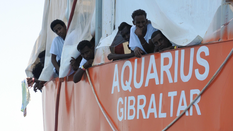 Italien und Malta winkten ab - Spanien will Rettungsschiff mit Flüchtlingen aufnehmen