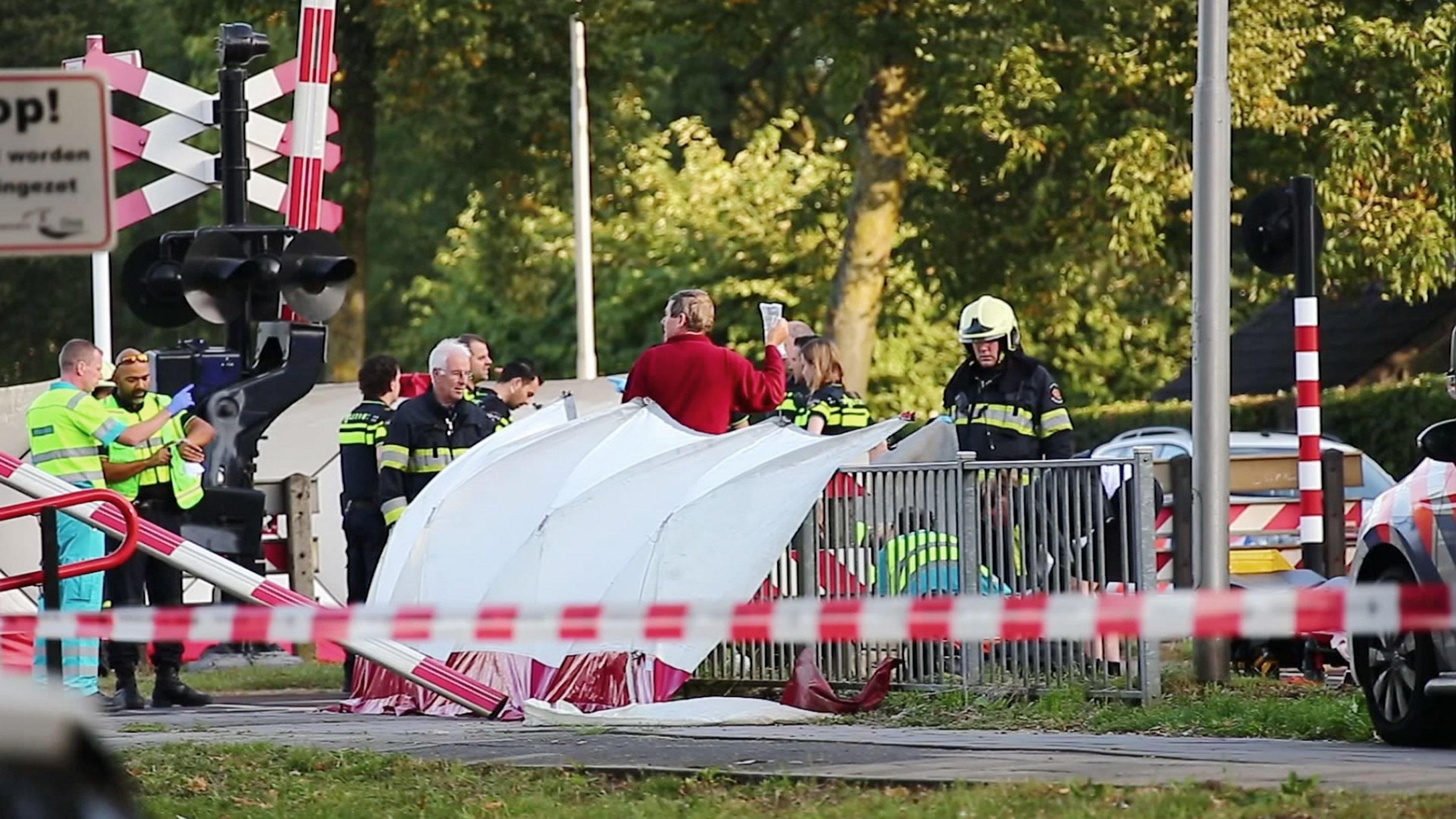 Niederlande: Lastenrad von Zug erfasst - vier Kinder sterben