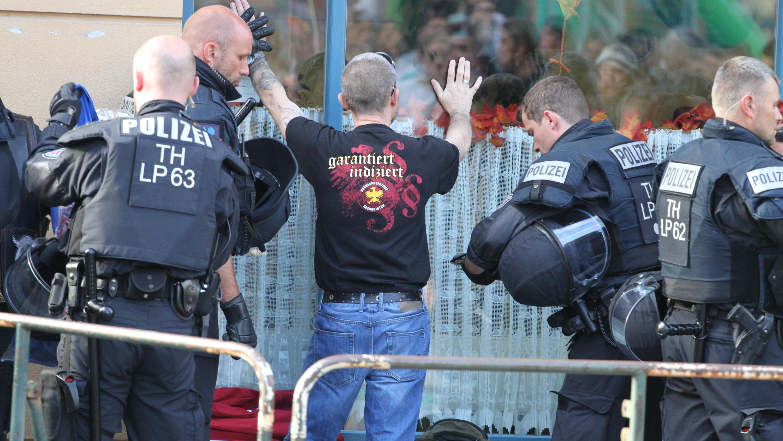 thringen rechte greifen bei konzert polizisten an - Polizei Thuringen Bewerbung