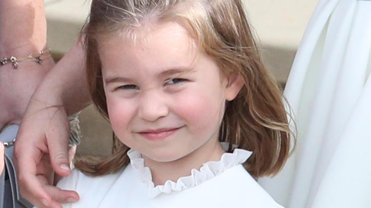 Prinzessin Charlotte legt royale Pinkelpause in einem Pub ein