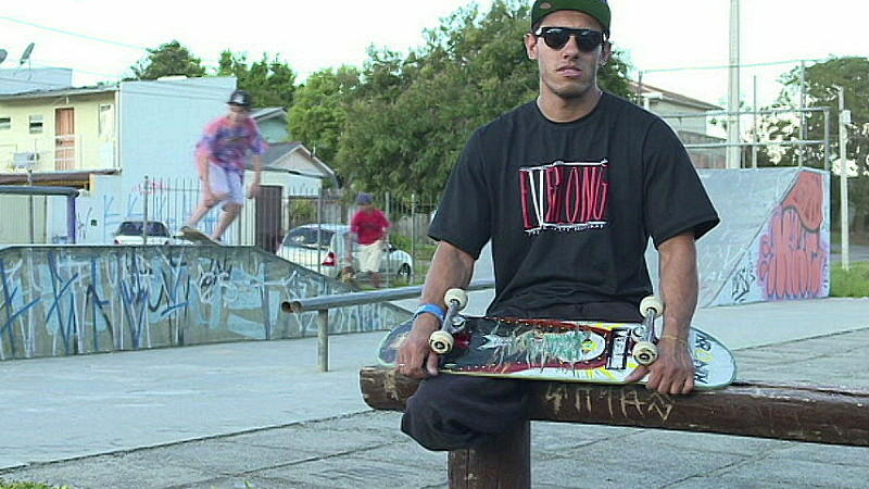 ohne beine zum erfolg italo romano ist skateboard profi - Skateboard Bank Beine