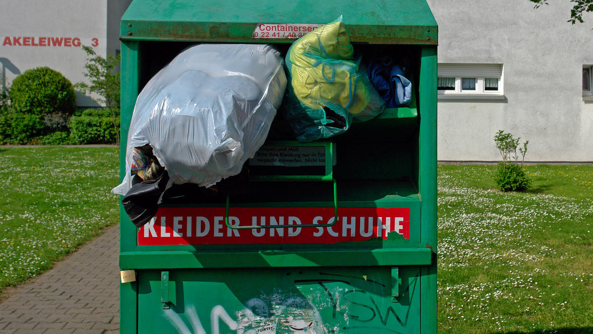 In Altkleidercontainer eingeklemmt - 40-Jähriger stirbt in Wetzlar