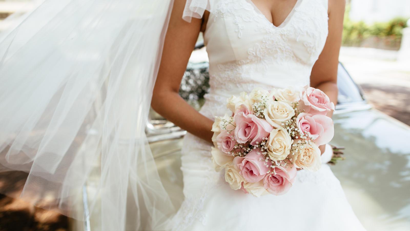 Ein Traum in Weiß: Was taugen günstige Brautkleider?