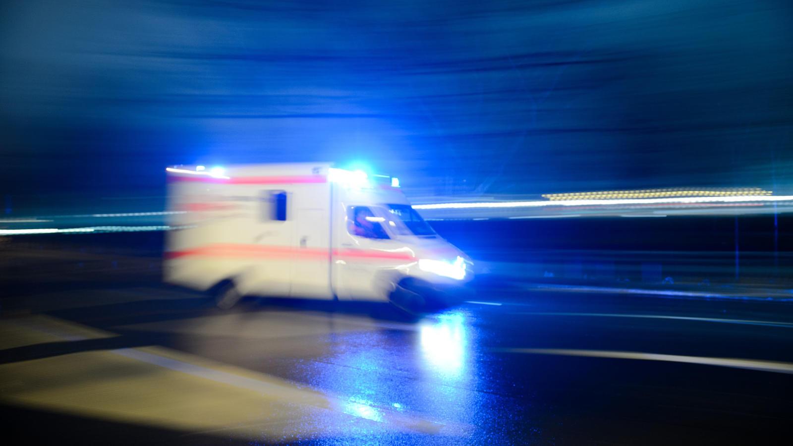 Auto kopfüber im Kanal: Zwei Jugendliche sterben