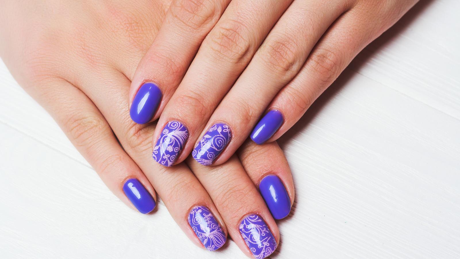 Marmoriertes Nageldesign: Die Stone Marble Nails