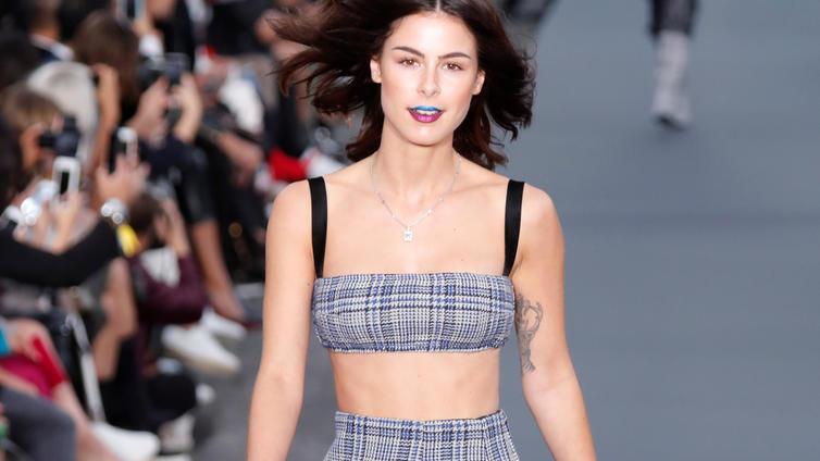 Helen Mirren O Real Paris Fashion Week