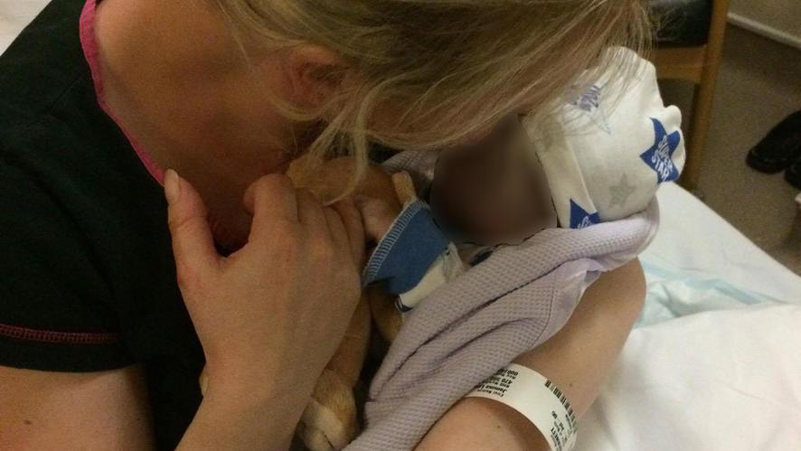 Mutter erleidet Totgeburt - doch sie fordert: Sprecht über die stille Geburt!