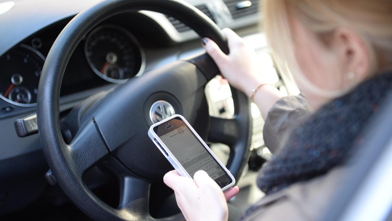 Prozess nach tödlichem Unfall mit Handy am Ohr