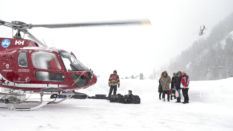 Tausende Urlauber in Zermatt und St. Anton eingeschneit