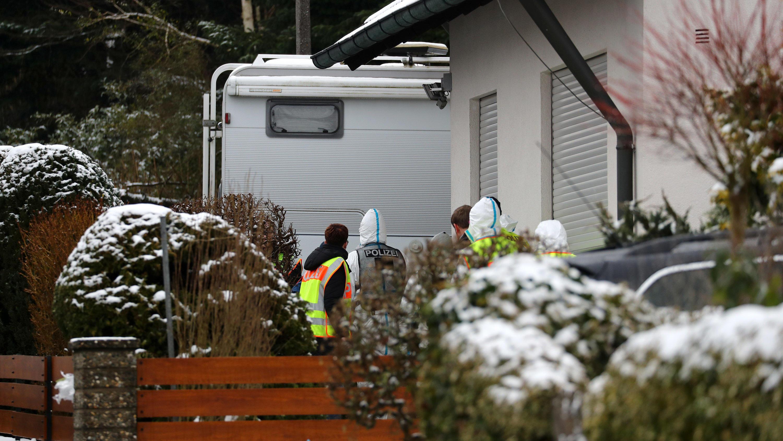 Vermisstes Ehepaar: Polizei findet zwei Leichen auf Grundstück