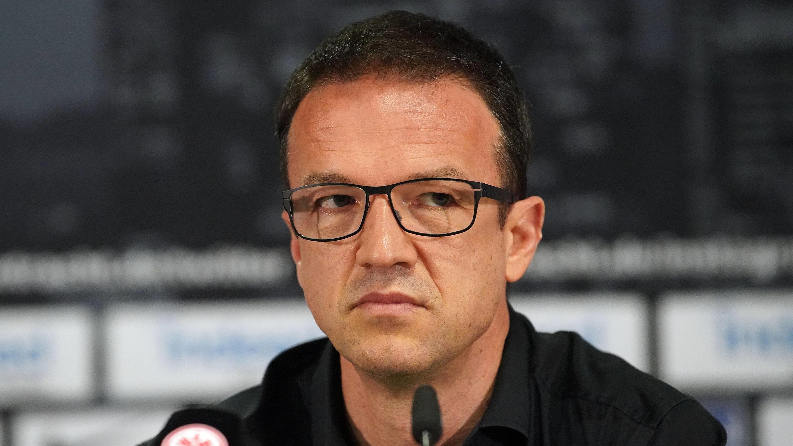Eintracht Frankfurt Pressekonferenz emspor v.l. Fredi Bobic Frankfurt am Main *** 13 04 2018 xjhx Football 1 Bundesliga Eintr