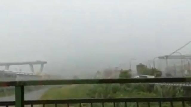 Autobahnbrücke auf A10 bei Genua eingestürzt: 35 Tote