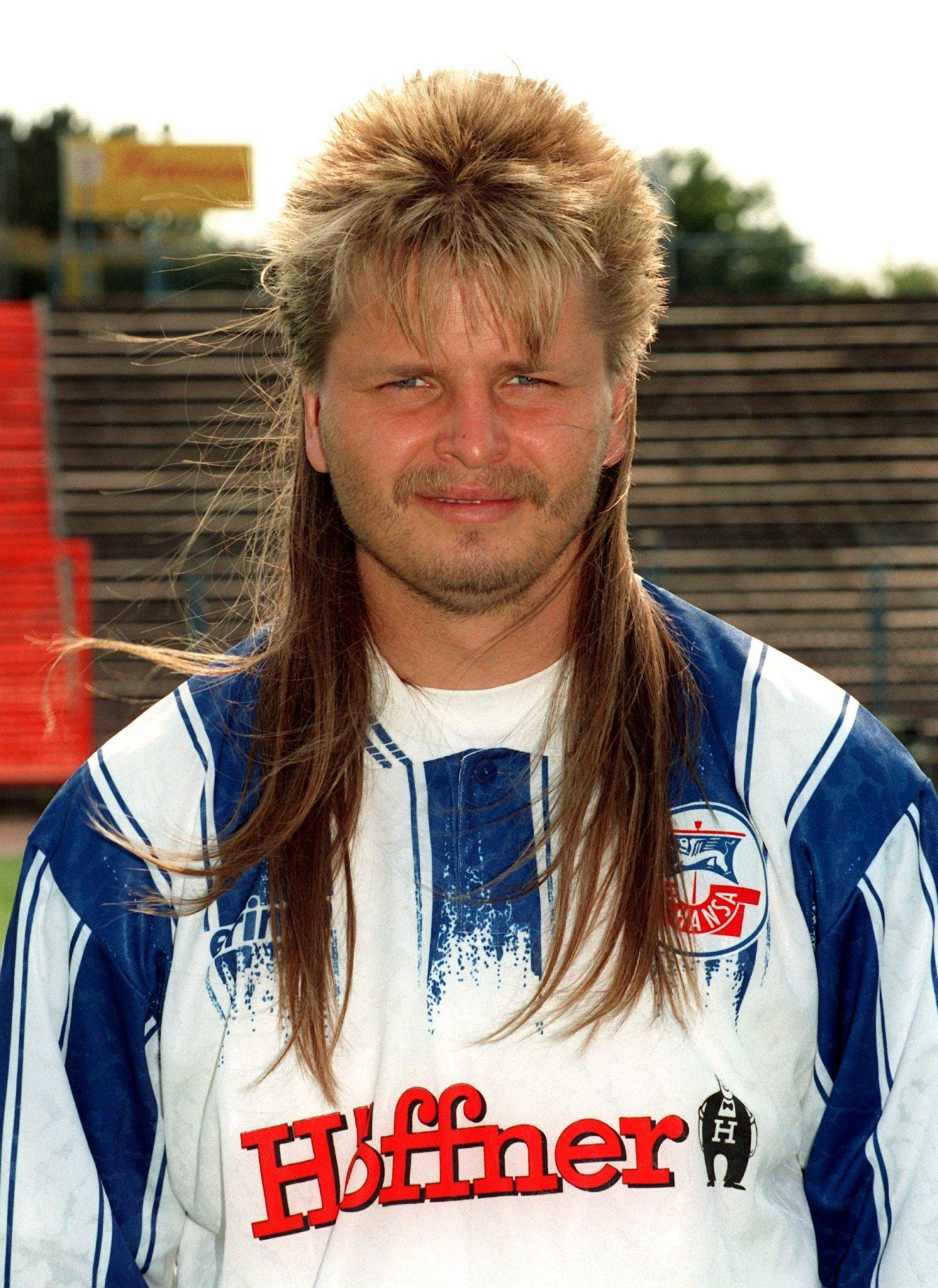 Die merkwürdigen Haar Kreationen der Fußballstars