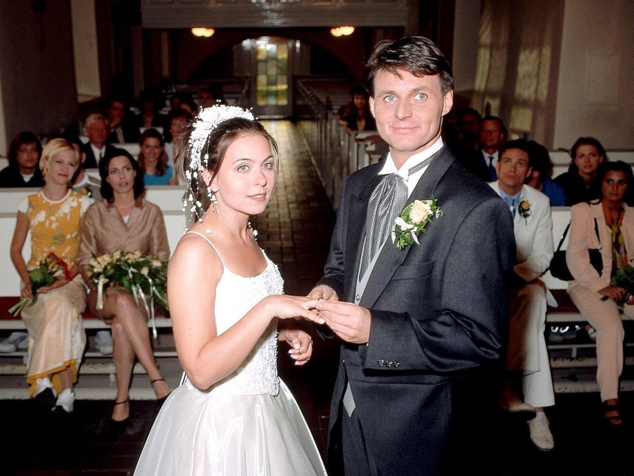 Fantastisch Weibliche Klagen Für Hochzeit Fotos - Brautkleider Ideen ...