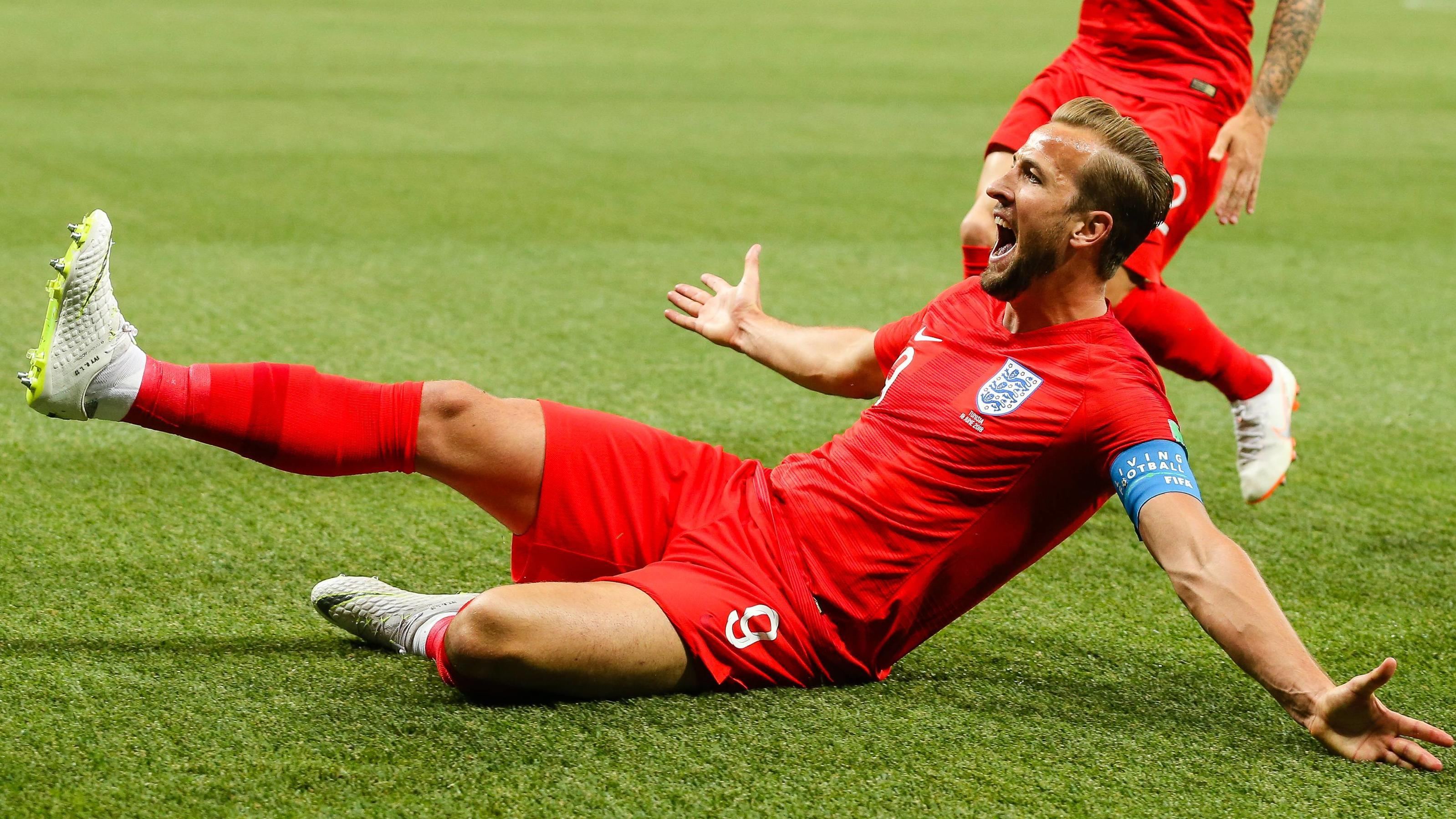 England v Tunisia 2018 FIFA World Cup WM Weltmeisterschaft Fussball Harry Kane of England celebrates scoring their first goal during the England v Tunisia 2018 FIFA World Cup match at Volgograd Arena, Volgograd PUBLICATIONxNOTxINxUK Copyright: xPaulx