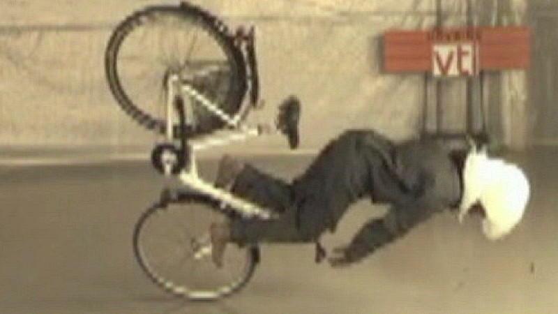 neuer airbag f r fahrradfahrer soll helm ersetzen. Black Bedroom Furniture Sets. Home Design Ideas