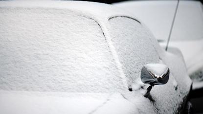 wintereinbruch berrascht autofahrer viele unf lle wegen schnee und gl tte. Black Bedroom Furniture Sets. Home Design Ideas