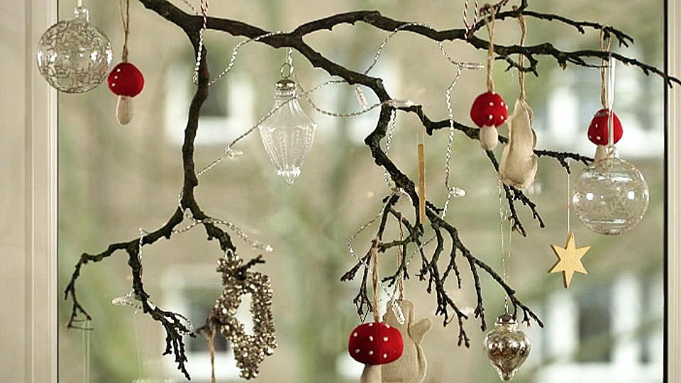 weihnachtsdeko basteln kreative fenster deko selber machen. Black Bedroom Furniture Sets. Home Design Ideas