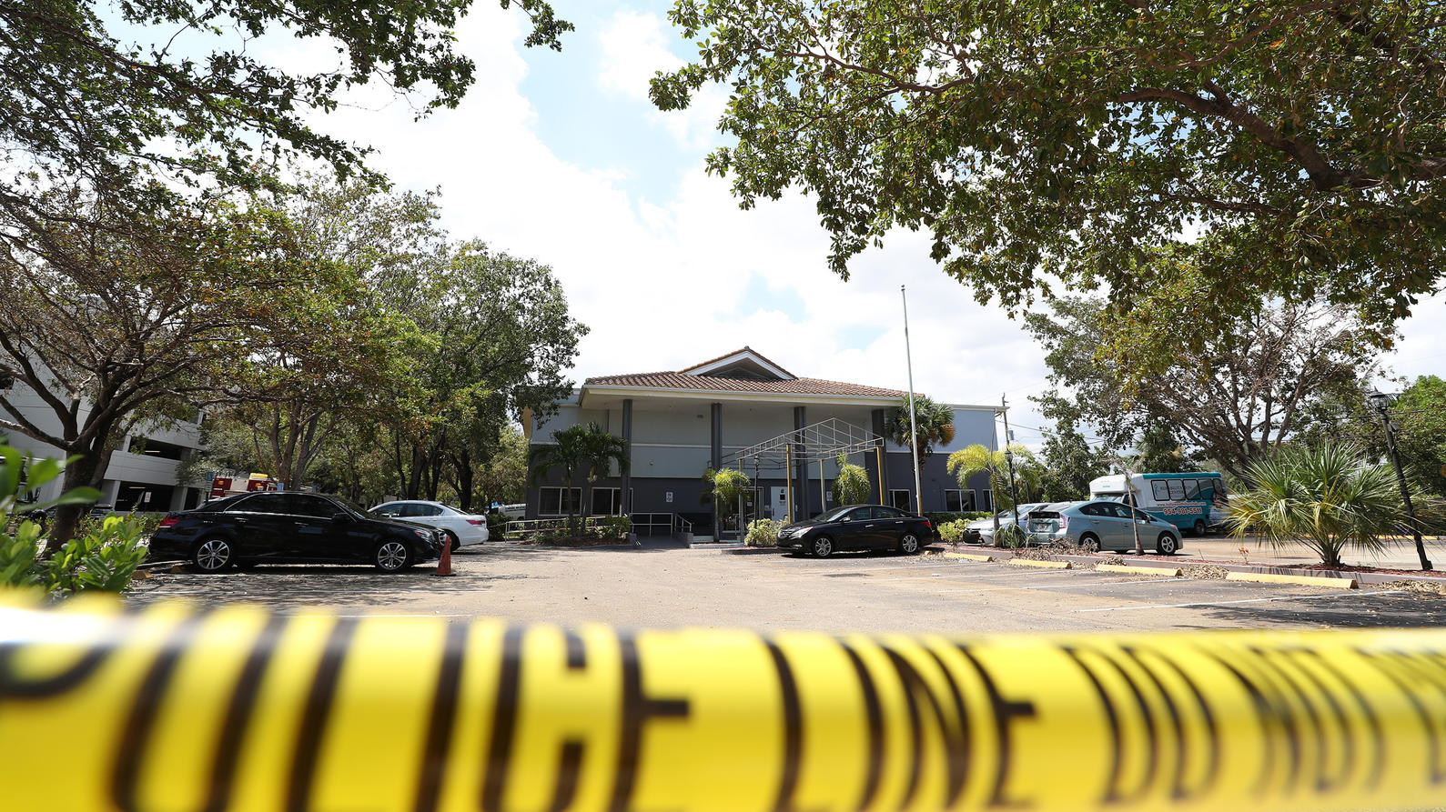 Police surround the Rehabilitation Center at Hollywood Hills, which had no air conditioning after Hurricane Irma knocked out power, on September 13, 2017 in Hollywood, FL, USA. Eight people at a Florida nursing home that was left without power for da