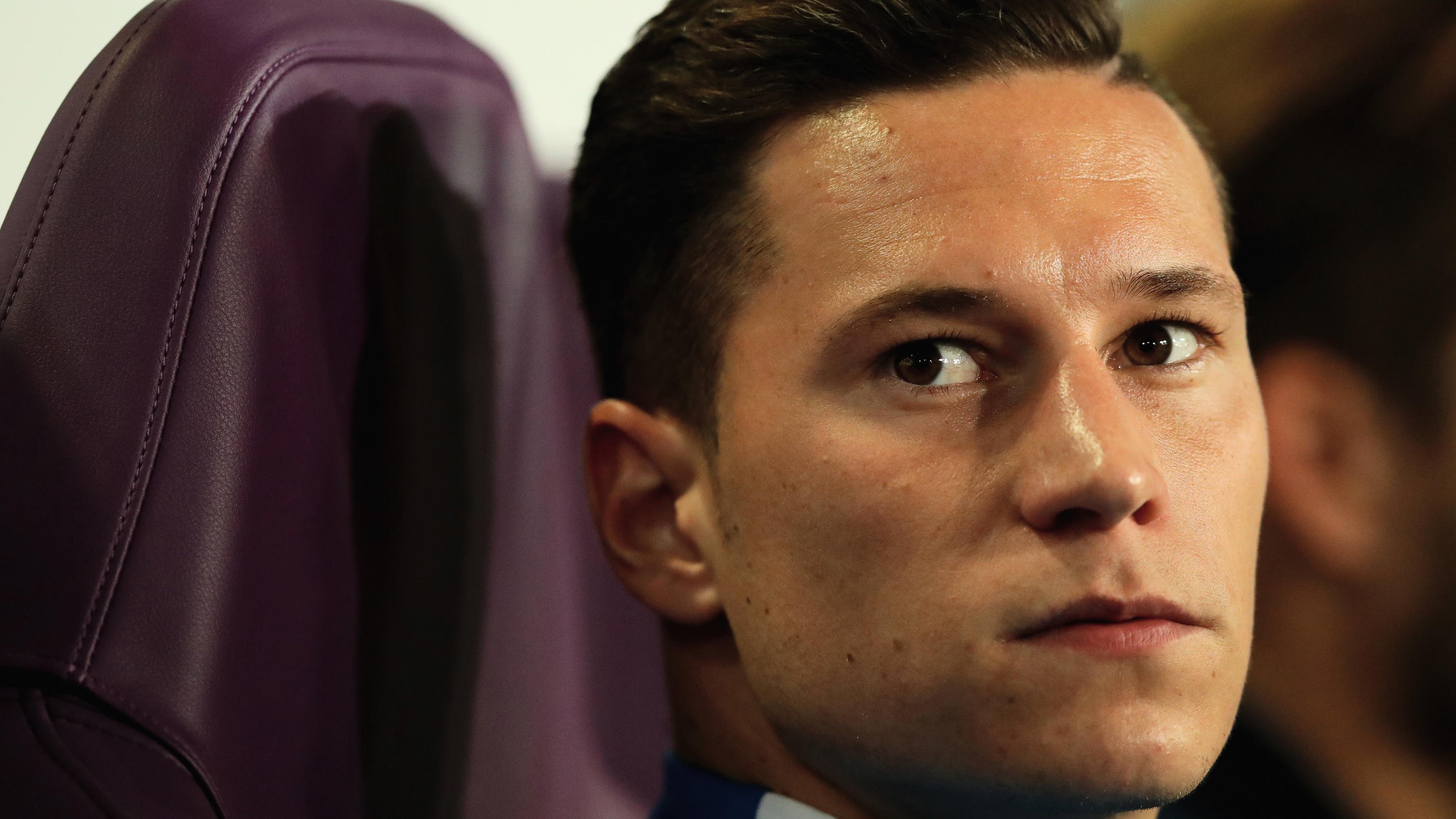 BRUSSELS, BELGIUM - OCTOBER 18: Julian Draxler of PSG looks on from the bench prior to the UEFA Champions League group B match between RSC Anderlecht and Paris Saint-Germain at Constant Vanden Stock Stadium on October 18, 2017 in Brussels, Belgium.