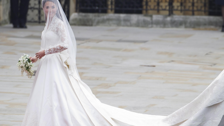 Meghan Markle: Soll ihr Hochzeitskleid wirklich 400.00 Euro kosten?