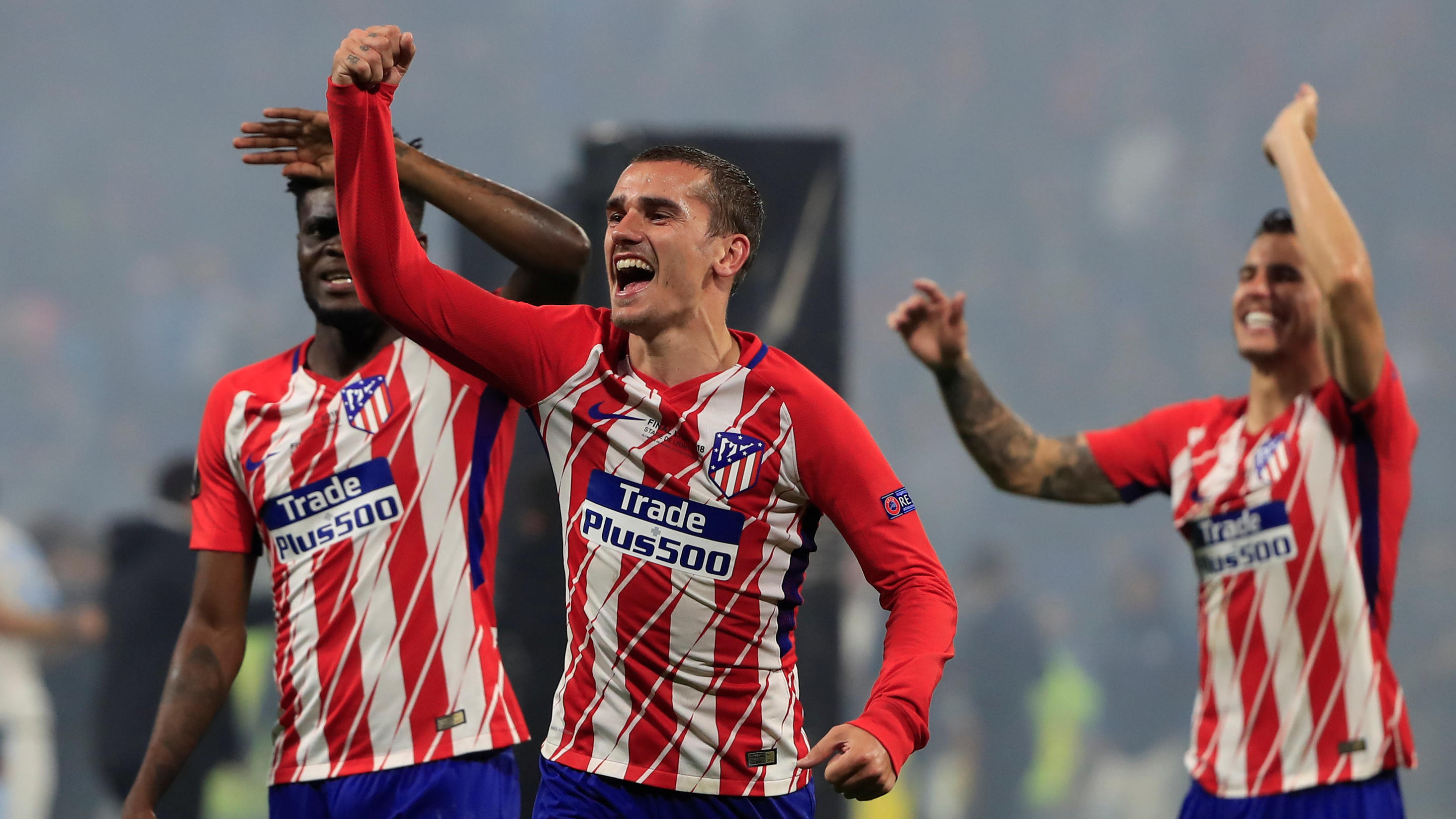 Soccer Football - Europa League Final - Olympique de Marseille vs Atletico Madrid - Groupama Stadium, Lyon, France - May 16, 2018   Atletico Madrid's Antoine Griezmann celebrates winning the Europa League               REUTERS/Gonzalo Fuentes