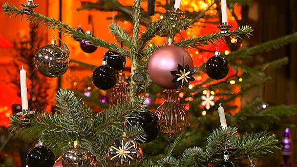 weihnachtbaum deko tipps f r den perfekten baum. Black Bedroom Furniture Sets. Home Design Ideas