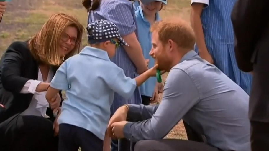 Prinz Harry stiehlt Herzen in Australien